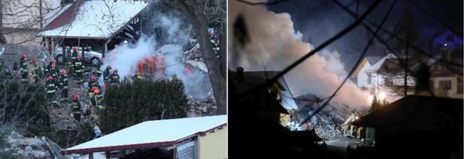 Fuga di gas ed esplosione, crolla edificio di tre piani nella località sciistica: otto morti