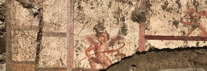 Pompei, torna alla luce la città mai scavata, fra colori brillanti e decorazioni