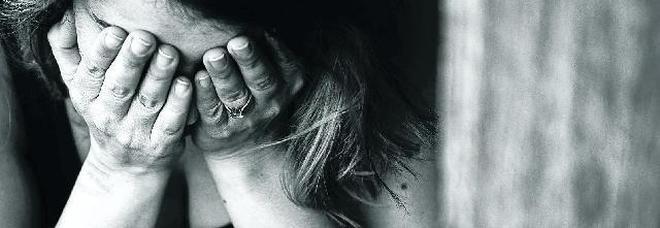 Figlia gettata dal terrazzo. «Cosa ho fatto alla mia bambina?». La mamma riacquista la lucidità