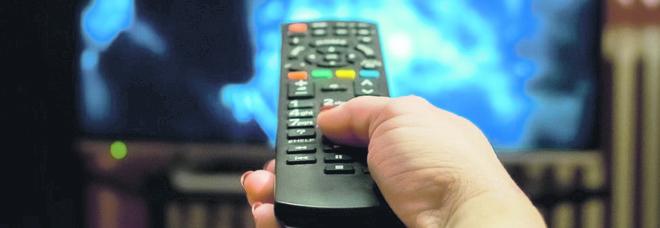 Tv, in arrivo in Italia il nuovo digitale terrestre. Cosa cambierà e i modelli di televisori interessati