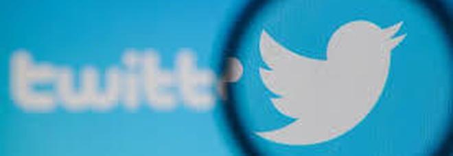 Twitter lancia la nuova funzione  per nascondere le risposte