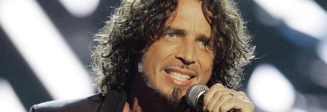 """Morto Chris Cornell, famiglia sotto choc: """"Morte improvvisa"""", per polizia è sospetto suicidio"""
