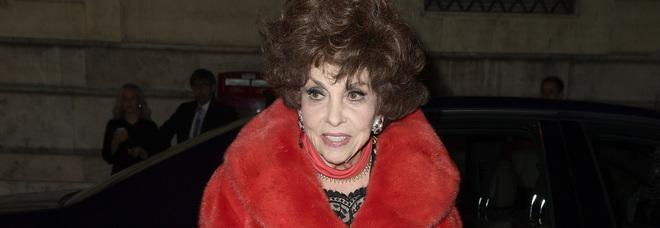 Gina Lollobrigida, prelevati gioielli e suppellettili. L'attrice furiosa: «Ignobile, trattata da delinquente»