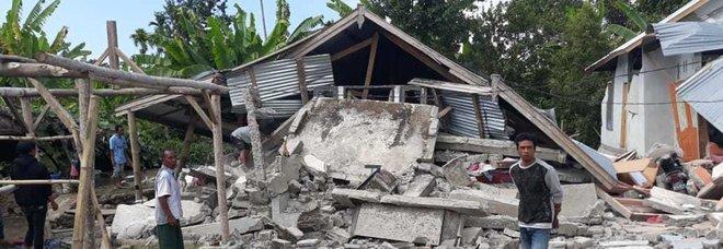 Magnitudo 7, almeno 140 morti e centinaia di feriti