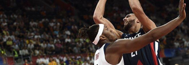 Basket, Francia-Usa 89-79: finisce dopo 13 anni l'imbattibilità del Dream Team