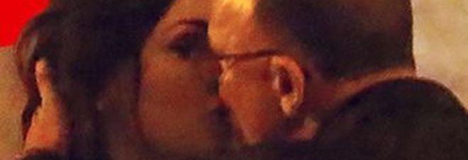 Anna Tatangelo e D'Alessio, torna l'amore: baci e tenerezze a Formentera