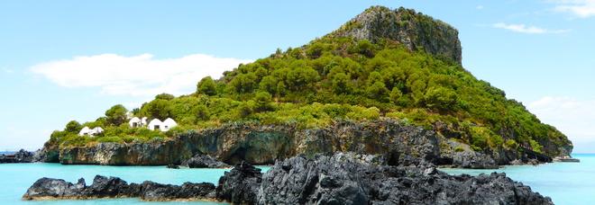 Spiagge d'Italia, ecco le 7 più spettacolari per Forbes Due Sorelle tra le migliori