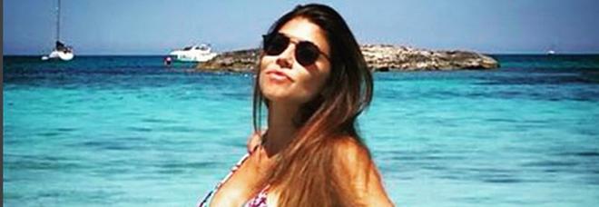 Flora Canto e il pancino sospetto: «Scambiate carbonara per gravidanza»