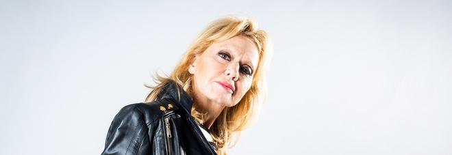 Rita Pavone, il racconto segreto: «Ho rischiato di morire, mi hanno salvato in extremis. Ora voglio solo cantare». E ringrazia Renato Zero