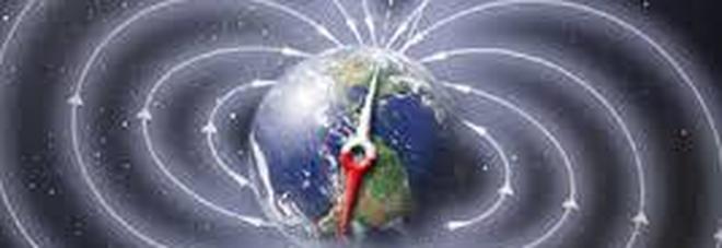 """App negli smartphone di tutto il mondo a rischio: il polo Nord magnetico """"scappa"""" in Siberia"""