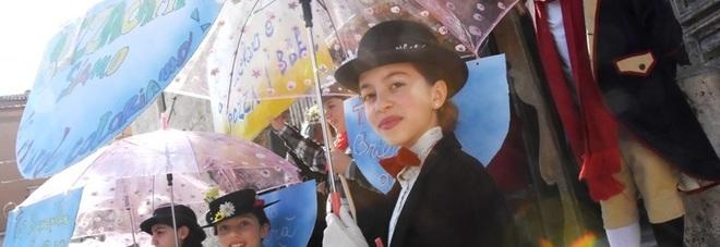 Una pioggia di colori sulle Marche: giorni di sfilate carri e maschere