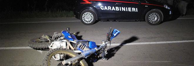 Tragedia nella serata: travolti in moto ed in bicicletta. Due morti