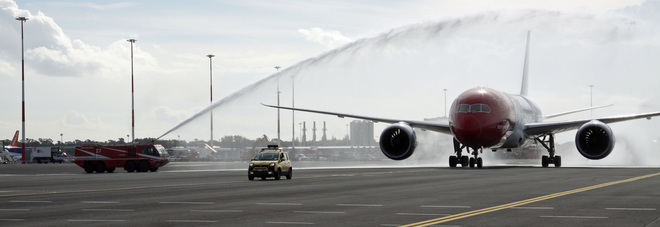 Sul primo volo a basso costo Roma-New York: «Il posto per le gambe? Meglio del previsto