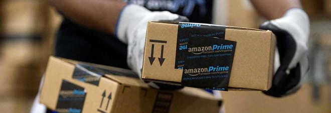 I pacchi Amazon con i regali di Natale non arrivavano: scoperti e arrestati tre ladri napoletani