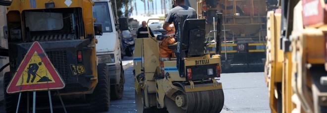 I lavori per la posa della fibra ottica: da domani stop ai cantieri