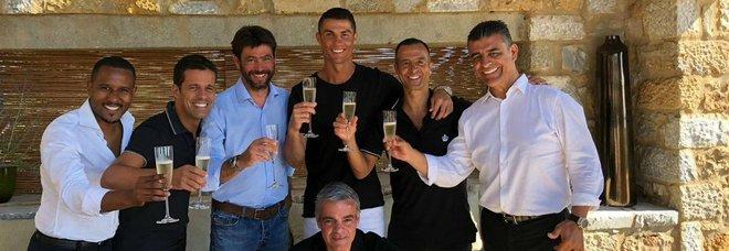 Juventus, ecco il brindisi tra Cristiano Ronaldo e Andrea Agnelli Foto