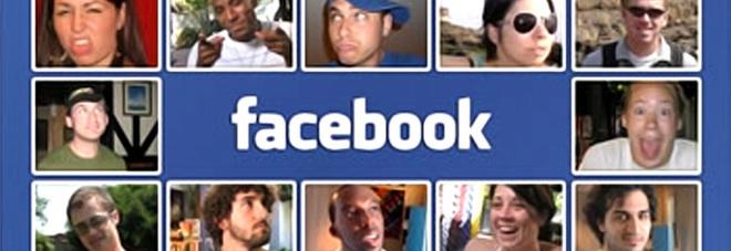 Facebook cambia look: ci sarà anche il dark mode