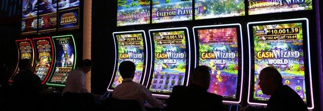 Boom del gioco d'azzardo, se ne vanno oltre 370 milioni in un anno
