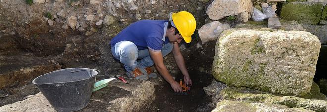 Svolta negli scavi: trovato a Castro l'altare di Minerva
