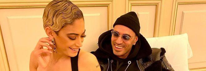 Sanremo, Elodie festeggia in camera con il fidanzato Marracash