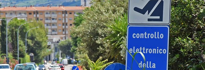 Autovelox, vigile multato con l'auto di servizio da colleghi: fa ricorso e vince