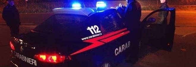 Boato nella notte: la banda del bancomat fugge con 25mila euro