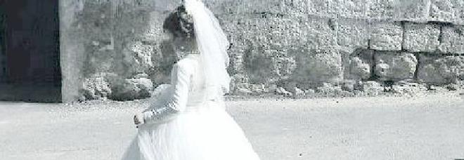 Mamma e sposa a 13 anni, condannato il marito 36enne. I genitori: «Per noi è normale»