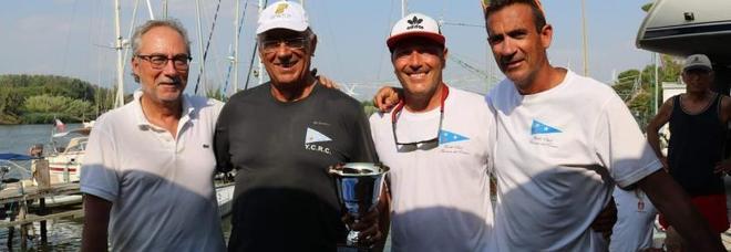 """Gli anconetani della barca """"DKC - Balzanelli"""" vincono il titolo italiano Laser Sb20"""