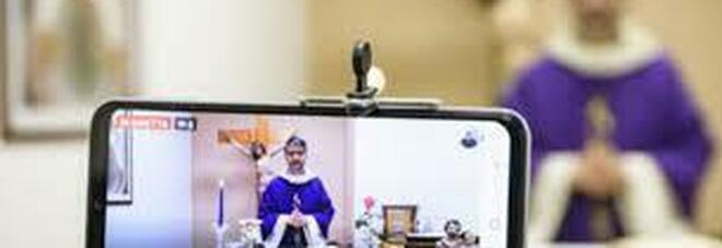 Il cardinale Sarah fa chiarezza: le messe in streaming non sono la stessa cosa di quelle partecipate