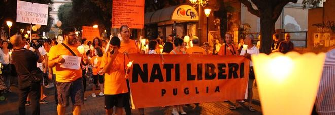 Taranto, in piazza contro i vaccini obbligatori