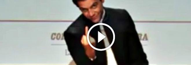 Mika fa il dito medio e si sfoga: