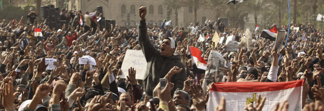 Un'immagine dei manifestanti a Piazza Tahrir nel 2011