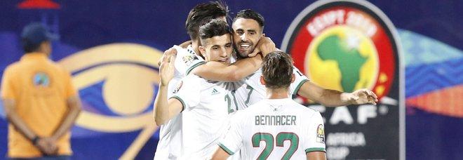 Coppa d'Africa, Mahrez porta in finale l'Algeria: venerdì l'ultimo atto contro il Senegal