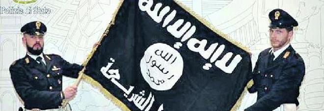Terrorismo, tunisino arrestato a Roma: cercava reclute per l'Isis in carcere
