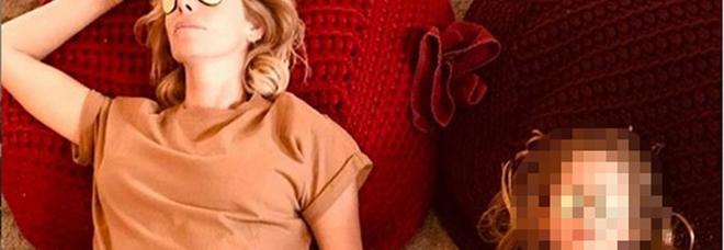 Alessia Marcuzzi conquista Instagram, cure di bellezza con la figlia Mia. I complimenti dei fan: «È la mini te»