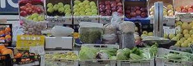 Spreco del cibo, è in calo ma ogni settimana costa quasi 5 euro a famiglia