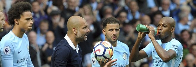 Premier League, manita di Guardiola a Klopp: il City schianta il Liverpool. Il Chelsea vince a Leicester