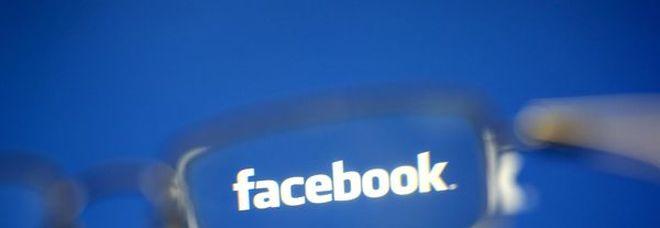 Facebook blocca 115 account per sospette interferenze