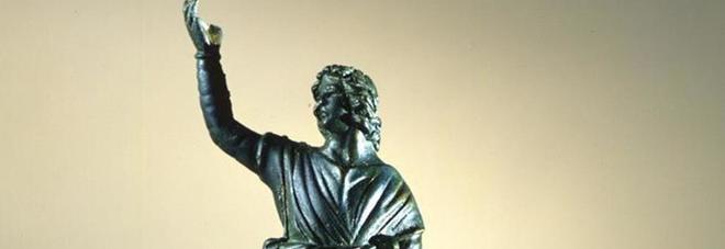 statuetta bronzea raffigurante un Lare danzante