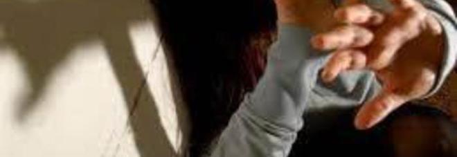 Roma, violenta figlia disabile dell'ex moglie: arrestato peruviano scappato a Torino