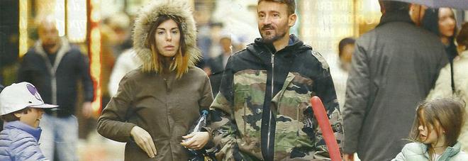 Max Biaggi e Bianca Atzei, prove di famiglia allargata con Leon e Ines