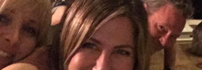 Jennifer Aniston sbarca su Instagram e lo fa con i suoi... Friends