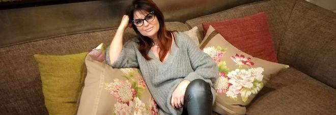 Monica Sarnelli: chiacchiere dal sofà e consigli «anti noia»  #IoRestoACasa