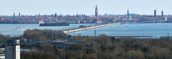 Referendum per separare Venezia  e Mestre, Zaia: «Firmerò il decreto»