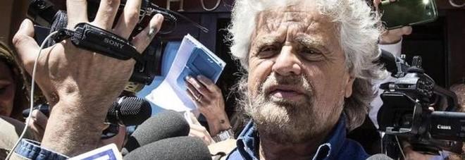 Genova, Grillo zittisce le proteste: «Chi dissente si faccia altro partito»
