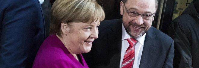 Germania, svolta nelle trattative:  c'è accordo su grande coalizione  Schulz: «Risultato eccezionale»