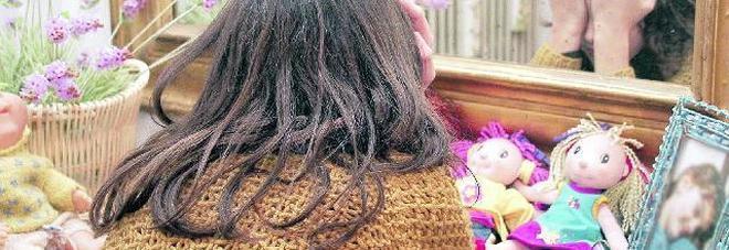 Picchia la figlia di 6 anni e la manda  in ospedale: mamma arrestata