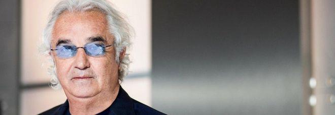 Reddito di cittadinanza, Flavio Briatore senza mezzi termini: «È una cazz***». E dà un'alternativa