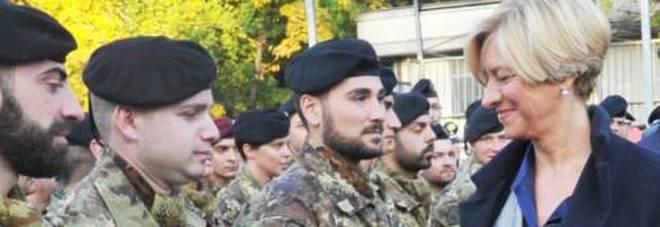 Pinotti: «Valutare ampliamento servizio civile»