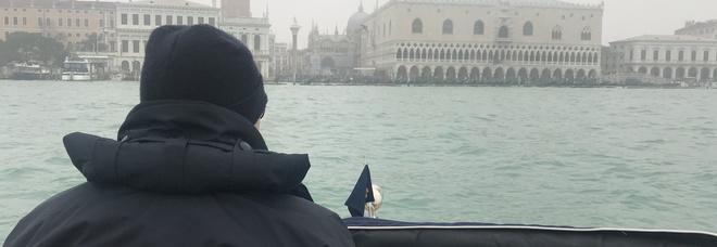 Prodotti fuori norma, pesca abusiva e acqua comunale scroccata: Far West a Venezia